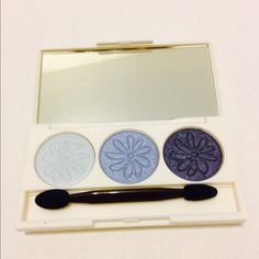 Natures republic eye shadow pallet Natures republic eye shadow pallet in Provence. Set of 3 shimmery colors. Perfect for date night or everyday use. Popular Korean brand natures republic only uses natural ingredients derived from nature to produce its products. Ok to use for sensitive skin. natures republic Makeup Eyeshadow
