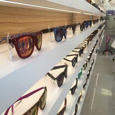 No esperis per canviar d'ulleres i passa't per Natural Optics Leví, on compten amb una gran varietat de montures i d'ulleres de sol. Segur que trobaràs del teu estil! #Benicarló #ulleres #òptica http://www.benicarlo.info/optiques/natural-optics-levi/