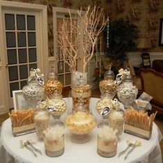 Gold inspo Perfect for a holiday party. Instead of goody bags, have a candy buffet? Golden Anniversary, 50th Wedding Anniversary, Anniversary Parties, Deco Buffet, Candy Buffet Tables, Gold Candy Buffet, Wedding Candy Buffet, Elegant Candy Buffet, Dessert Buffet