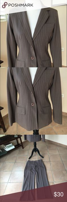 Blazer & Pant line suit! FINAL PRICE Elegant in good condition. Perfect for office! Size 4 but run big, more than 6! Need dry clean! Jackets & Coats Blazers