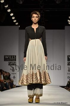 Anand Kabra collection at Wills Lifestyle India Fashion Week Spring- Summer 2013 (17)