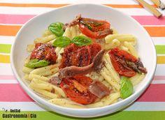 Casarecce con tomates fritos y anchoas