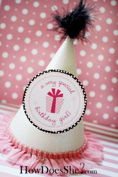 FREE birthday party printables! #howdoesshe