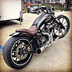 Harley Davidson Custom Bike, Harley Davidson Motorcycles, Custom Street Bikes, Custom Bikes, Vintage Motorcycles, Custom Motorcycles, Custom Bobber, Harley Bikes, Bobber Chopper