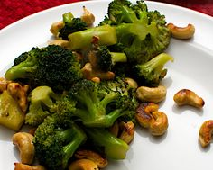 Chinese side dish: Broccoli with Cashews & Oyster Sauce