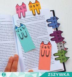Kedi kitap ayıracı