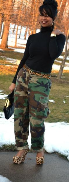 Ways to Look Cool in Army Pants This Year 0101 Camo Fashion, Diva Fashion, Fashion Outfits, Fashion Trends, Camouflage Fashion, Fashion Finder, Style Fashion, Camo Outfits, Casual Outfits