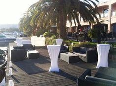 Service de détente avec résidences de tourisme, centres de séminaires…tel que le Pierre & Vacances Premium de Mandelieu la Napoule ou nous gérons la restauration traditionnelle, les banquets et les snacks. Le restaurant « Le Riviera » et sa terrasse ombragée sous les palmiers est le restaurant principal du site.