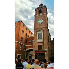 Il giocoliere mangia fuoco che tentò di fermare il tempo... #MyFerrara #comunediFerrara #igersferrara #Ferrara