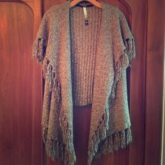 🍂🍁🌾Kenzie Fall Fashion Vest🍂🍁🌾 Kenzie Fall Fashion Vest. Such a great addition to any closet. Like new condition. 60% cotton, 26% Acrylic, 13% Nylon , 1% Spandex. Kensie Tops Sweatshirts & Hoodies