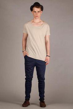 Annex Scoop Neck Tail T-Shirt Sand