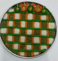 Aarti ki thali for Navratri Arti Thali Decoration, Ganpati Decoration At Home, Ganapati Decoration, Diy Diwali Decorations, Festival Decorations, Flower Decorations, Diwali Diy, Diwali Craft, Beautiful Rangoli Designs