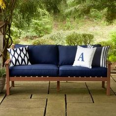 A rich finish complements the sophisticated and elegant wood of the Rossi Sofa. Complete with plush outdoor-friendly cushions and made of incredibly durable Meranti hardwood, this piece is ideal for backyard patio use and able to withstand both weather and wear.