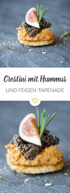 Die Brotscheiben sind gleich dreifach lecker. Aromatisches Knoblauchöl, gefolgt von nussigem Hummus, getoppt mit süßlich-herbem Feigen-Oliven-Pesto.