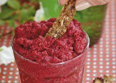 Server humus som snack med f.eks. ristet rugbrød skåret i stænger eller som tilbehør til middagsmaden.