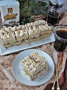 Ala piecze i gotuje: Ciasto mocca z orzechami Cake Recipes, Dessert Recipes, Nutella, Good Food, Yummy Food, Walnut Cake, Breakfast Menu, Sweets Cake, Mocca