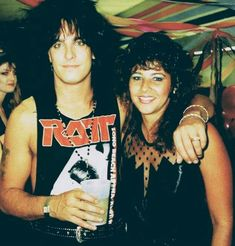 I would have fainted. 80 Bands, Rock Bands, Mick Mars, Music Collage, Glam Metal, Heavy Rock, Lovely Eyes, Tommy Lee, Nikki Sixx