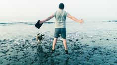 Enjoy the sea and surfing makes me jump for joy with my dog and my Peli Progear Vault Progear that protects my tablet.  Picture by Raúl Ortega - Spain
