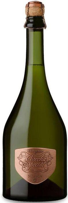 """""""Cosecha Especial Vintage 2010"""" 60 % Chardonnay / 40% Pinot Noir 2010 espumoso brut nature - Bodega Norton, Luján de Cuyo, Mendoza------------------------------ Terroir: Luján de Cuyo & Gualtallary (Tupungato)----------------- Método Tradicional"""