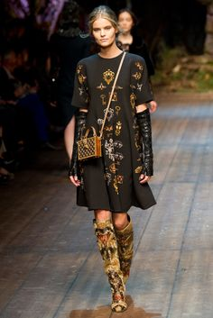 Kate Grigorieva in Dolce & Gabbana Fall 2014 Ready-to-Wear