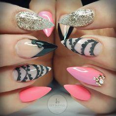 Velvet trim Texture achieved by using @akzentz gel art powder over @gellyfitaustralia gel polish design #getbuffednails #nails #nailart #notd #instanails #ignails #nailprodigy #acrylic #glitter from @glitter_heaven_australia #gellyfit #gelpolish #bling #swarovski #nailtech #melbournenailart #acrylicnails #handpainted by getbuffednails
