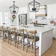 Modern Farmhouse Kitchens, Cool Kitchens, Farmhouse Decor, Rustic Kitchen, Kitchen Modern, Minimal Kitchen, Farmhouse Sinks, Farmhouse Style, Functional Kitchen