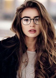 Thick streaks beauty tips + hair photography women, girl photos, girl photo Hair Photography, Photography Women, Portrait Photography, Photography Business, Fashion Photography, Cute Glasses, Girls With Glasses, Circle Glasses, Street Style Inspiration