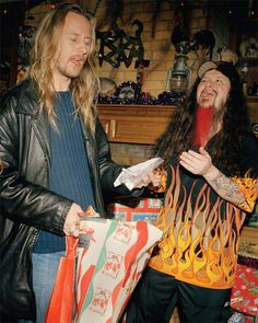 Dimebag's Last Christmas | VICE United States. Jerry Cantrell arrives at Dimebag's Texas home with a gift ... of blow.