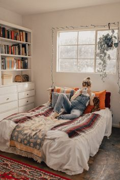 99 Elegant Cozy Bedroom Ideas With Small Spaces (6)