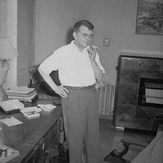 Shostakovich at his flat on Mozhaiskoe shosse. 1957. © 2001 Cultural Heritage Series