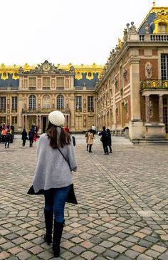 Girl walking on the grounds of Versailles. Read tips for visiting Versailles, how to avoid the crowds at Versailles, and what to know before your visit to Versailles! Best Travel Guides, Travel Tips, Visit Versailles, Day Trip From Paris, Paris Travel, Walk On, European Travel, Day Trips, Travel Photos