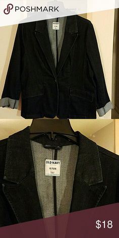 XL Old Navy blazer XL Old Navy dark denim blazer. Washed in all free & clear, but never worn. It's a very comfortable stretchy denim fabric. Super cute for every day! Old Navy Jackets & Coats Blazers