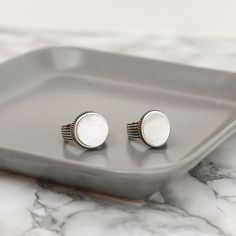 Look at these #Nacre beauties. We are obsessed! Silver Rings, Stud Earrings, Mens Fashion, Jewels, Beauty, Ideas, Moda Masculina, Man Fashion, Jewerly