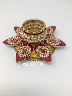 Diwali Decorations At Home, Thali Decoration Ideas, Indian Decoration, Diwali Craft, Diwali Gifts, Diwali Diya, Gift Wedding, Wedding Decor, Acrylic Rangoli