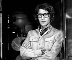 Yves Saint Laurent was an Algerian-French fashion designer, one of the greatest and most celebrated icons of the fashion industry. Saint Laurent Paris, St Laurent, Coco Chanel, Ysl, Carine Roitfeld, Safari Jacket, French Fashion Designers, Glamour, Fashion Quotes