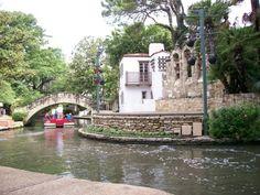 Tips and reviews from parents to visit the River Walk - San Antonio, TX - Kid friendly activity reviews - Trekaroo.com