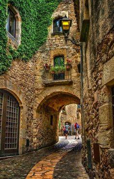 Portal medieval de Pals, Cataluña, España.
