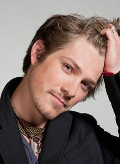 I know there's a whole page dedicated to Hanson, but you can't have a hotties page without him.