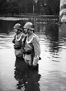 Militari dei Paesi Bassi a guardia del confine con la Germania subito dopo la mobilitazione, 1939.