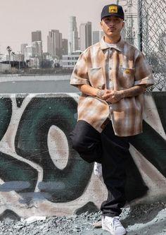 Estilo Gangster, Estilo Cholo, Cholo Style, Rap Wallpaper, Hip Hop Fashion, Types Of Dresses, Looks Cool, Streetwear Fashion, Street Wear