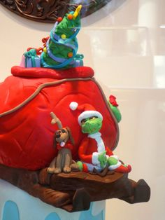 The grinch and max fondant:Perfect!