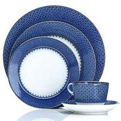 Mottahedeh Blue Lace.  I have complete set of dinner plates and cups/saucers...looking for something different for the salad plate...does not have to be Mottahedeh.