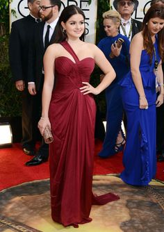 Ariel Winter looked stunning in a maroon in Mikael D dress.