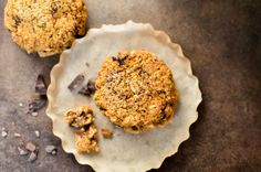 Pumpkin oatmeal chocolate chunk cookies that are crunchy on the outside and chewy on the inside. They are gluten-free, dairy-free, sugar-free, and egg-free!
