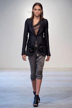 Vera Wang Resort Collection 2011 #fashion #vera_wang