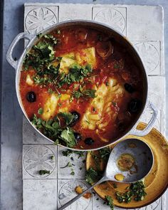 Bacalao en salsa de tomate Seafood Recipes, Paleo Recipes, Come Dine With Me, Recipe Organization, Eat Smart, Jamie Oliver, Fabulous Foods, Fish And Seafood, Soul Food