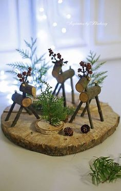 There are various forms of outdoor Christmas decorations. Adding outdoor Christmas decorations may be a significant part your holiday decor. It is possible to find nearly every kind of outdoor Christmas decoration that it is possible to imagine. Wooden Christmas Crafts, Outdoor Christmas Decorations, Rustic Christmas, Simple Christmas, Christmas Art, Christmas Projects, Holiday Crafts, Christmas Holidays, Christmas Gifts