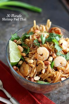 Easy {30 Minute} Shrimp Pad Thai @Tiffany {Creme de la Crumb}
