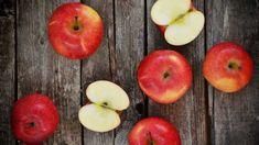 Nejoblíbenější ovoce je skvělé za syrova, ale i tepelně upravené, na sladko i na slano. Dopřejte si podzim plný jablečných receptů, máme pro vás ty nejlepší... Healthy Foods To Eat, How To Stay Healthy, Healthy Eating, Best Oil Diffuser, Clean Recipes, Healthy Recipes, Fiber Rich Foods, Pregnancy Nutrition, Pregnancy Workout