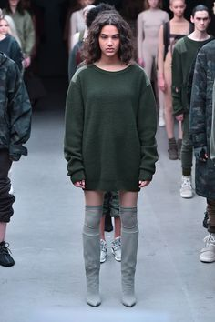 Models walk the runway at the adidas Originals x Kanye West YEEZY SEASON 1 fashion show during New York Fashion Week Fall 2015 at Skylight Clarkson Sq on February 2015 in New York City. Only Fashion, High Fashion, Fashion Show, Women's Fashion, Kanye West Show, New York Fashion, Runway Fashion, Yeezy Season 1, Yeezy Fashion